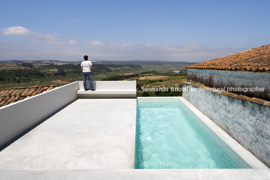 house at sobral da lagoa bak gordon arquitectos