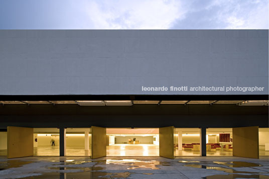 sabina science and art school paulo mendes da rocha