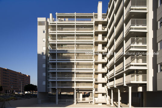 building in vallecas paulo mendes da rocha