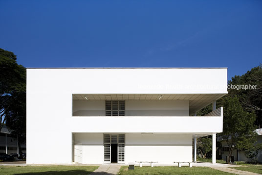 administration and classrooms at ita oscar niemeyer