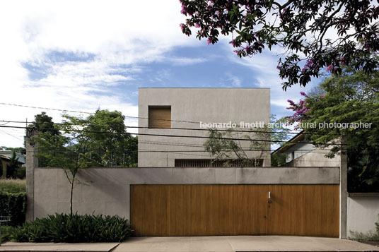 Morumbi House Isay Weinfeld