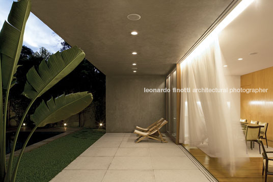 morumbi house isay weinfeld