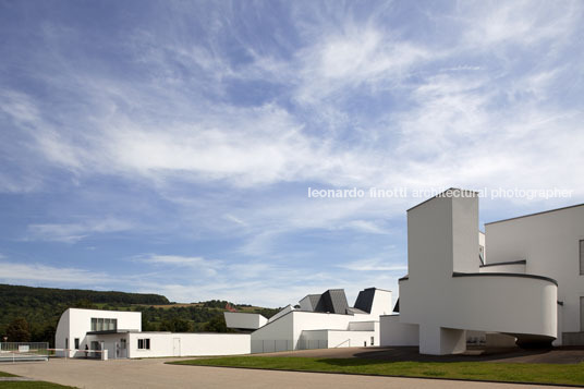 vitra design museum and furniture factory frank o. gehry