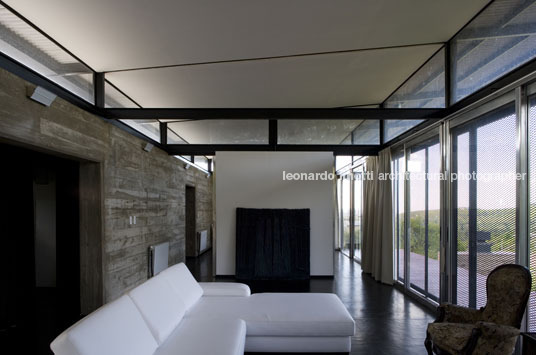 house in villa cielo marchisio+nanzer arquitectos