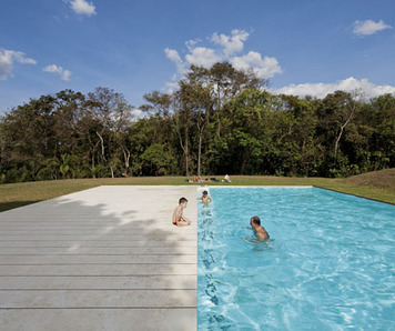 piscina at inhotim