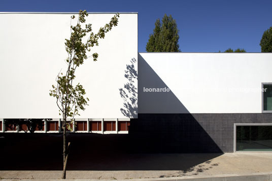 garcia de orta school bak gordon arquitectos