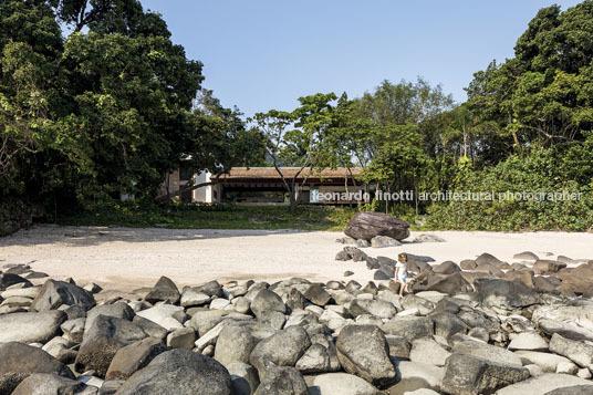 house in praia das conchas gui mattos